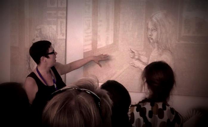 Nürnberger Stadtverführungen 2017: Dorothea Koch zeigt in ihrem Atelier Kunst aus alten Büchern. In einem Vortrag informierte sie darüber was buch Kunst ist, erzählte zur Geschichte der Buchkunst und zeiget Bastelanleitungen aus alten Büchern.