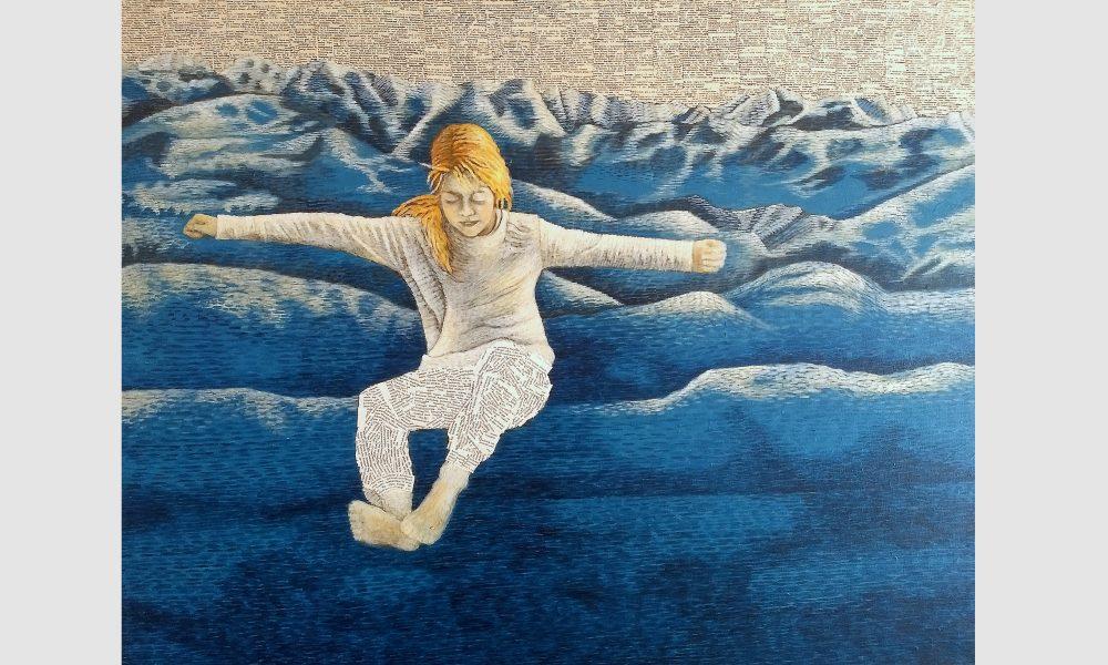 Collage aus Buchseiten mit Acrylmalerei: Eine Leseratte springt in ihrem Bücher-Schlafanzug in die blauen Berge aus Buchseiten.