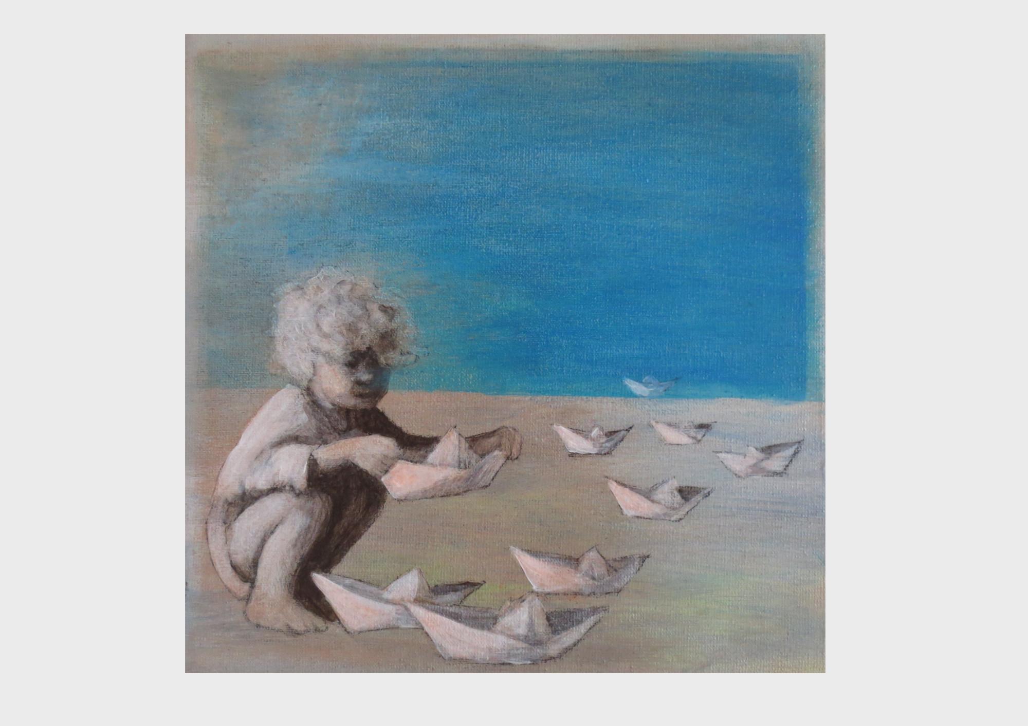 Am Meer sitzt ein Kind mit blonden Locken, im Hemdchen, in der Hocke und faltet Papierschiffe. Acrylbild in lichtblau und Cyan, mit weißen Schiffchen aus Papier. Die kleinen Schiffe segel, gleiten, treiben und fliegen.