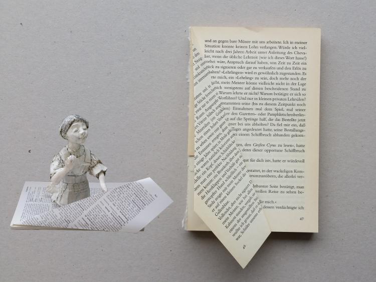 Weihnachtsbaum aus altem Buch